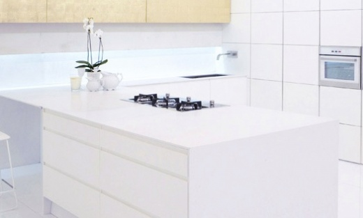 white zeus - quartz kitchen countertops - expert installation and